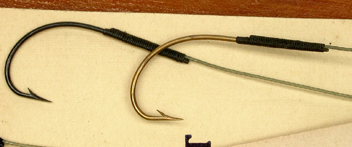 31c  Skilton & Sons snelled hook packets, Kinsey, #12 (about a 4/0), bronzed & japanned, treble gut (tight twist).