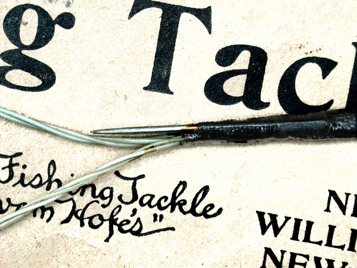 44b Edward vom Hofe & Co., 3.0, snelled, pin detail. Often on bait hooks, a turned up taper or as is this case, an actual needle was tied in with the snell. This was to secure the bait to the hook better than without.