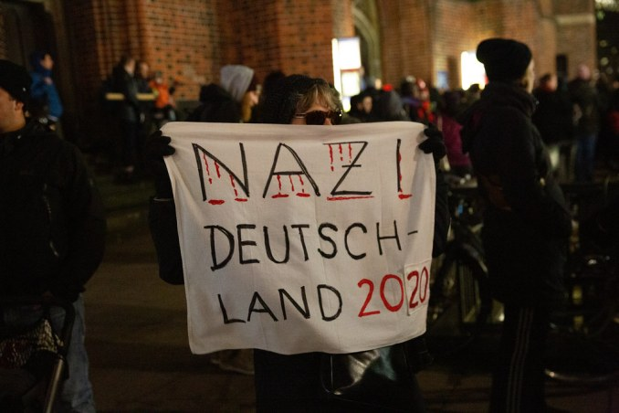 Frau Merkel, verpiss dich endlich, bitte!