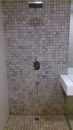 shower room with tiles