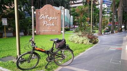 Tern folding bike parked at Ortigas Park