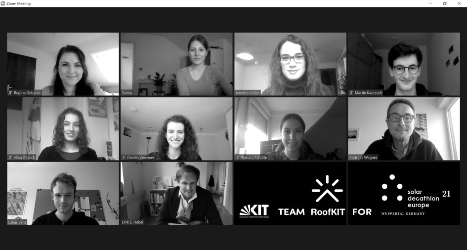 RoofKIT Teamfoto in an online meeting black and white