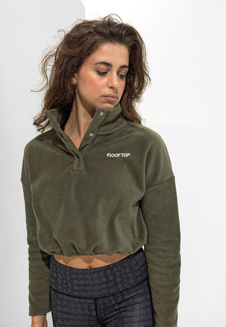 cropped tee basic olive rooftop logo weiß