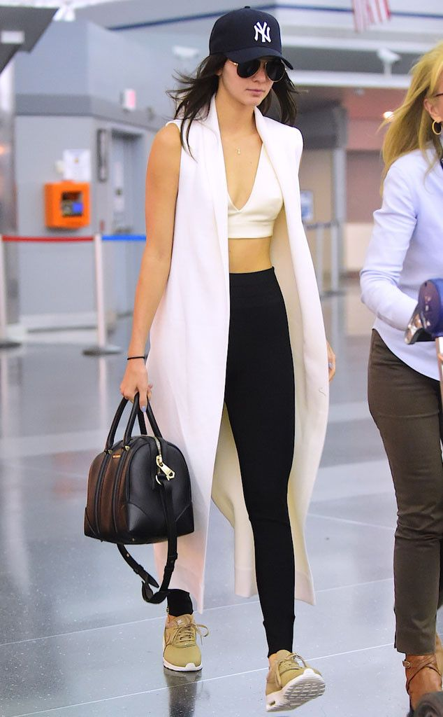 Travel_airport_outfit_rooftopantics_Kendal_jenner1