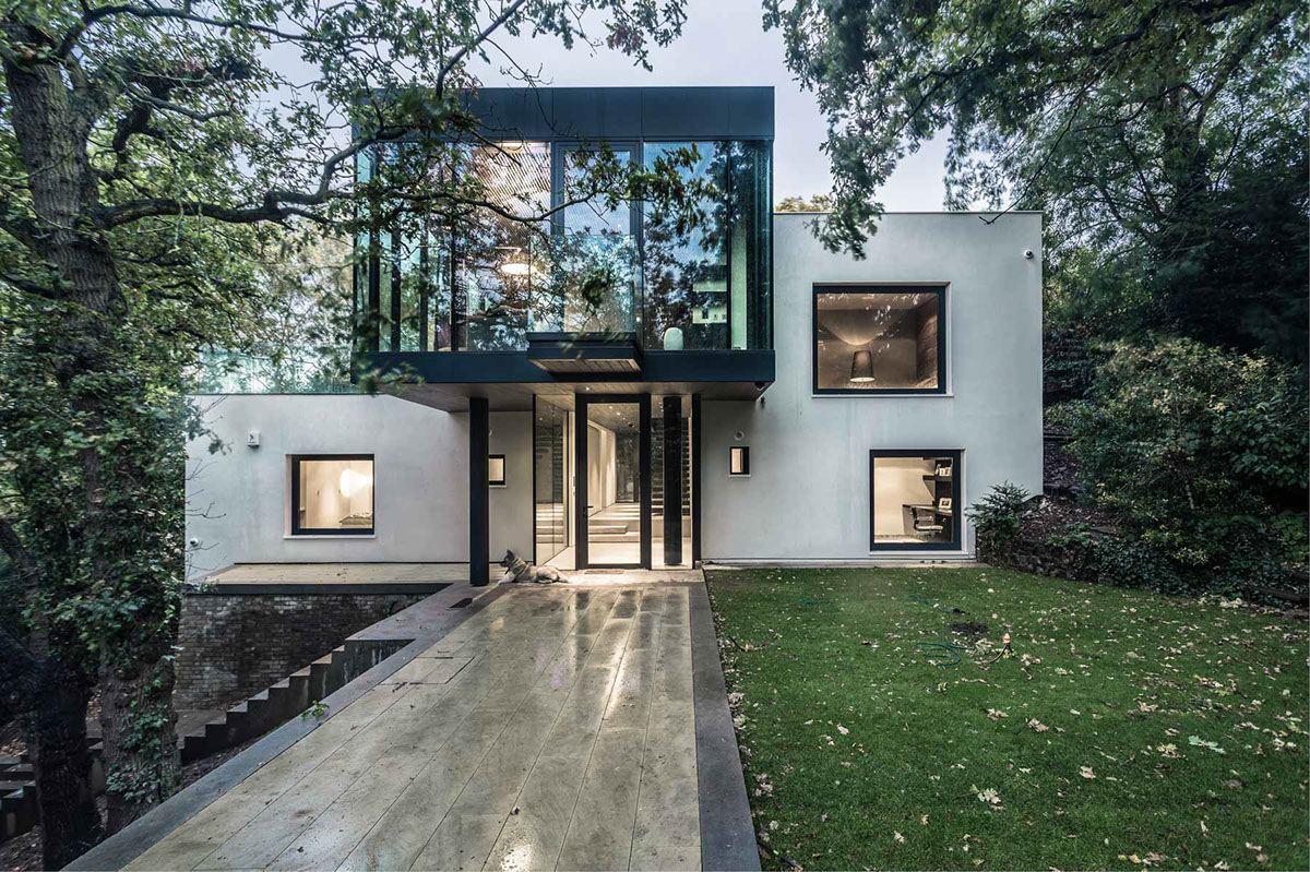 Contemporary Home Design Which Apply A Trendy And Serenity
