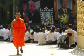 beten für toten könig sihanouk