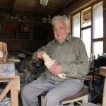 Holzkünstler in Litauen: Aus hartem Holz geschnitzt