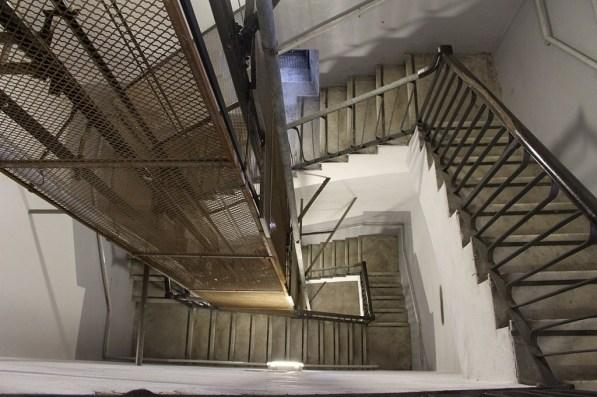 Wenn man jeden Tag eine Treppenstufe hochgehen würde, würde man exakt ein Jahr brauchen, um auf den Leuchtturm von Genua zu kommen.