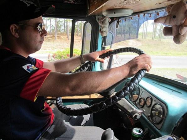 Auch dieser Trucker in Kuba hat mich freundlicherweise mitgenommen.