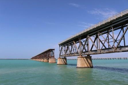Die Brücke des alten Highway 1 durch die Florida Keys ist eine der markantesten Sehenswürdigkeiten des Bahia Honda State Park.