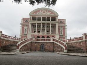 Die Oper von Manaus ist ein imposantes Gebäude.