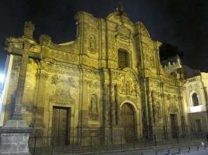 Die schöne Altstadt von Quito konnte ich nur nachts erkunden.