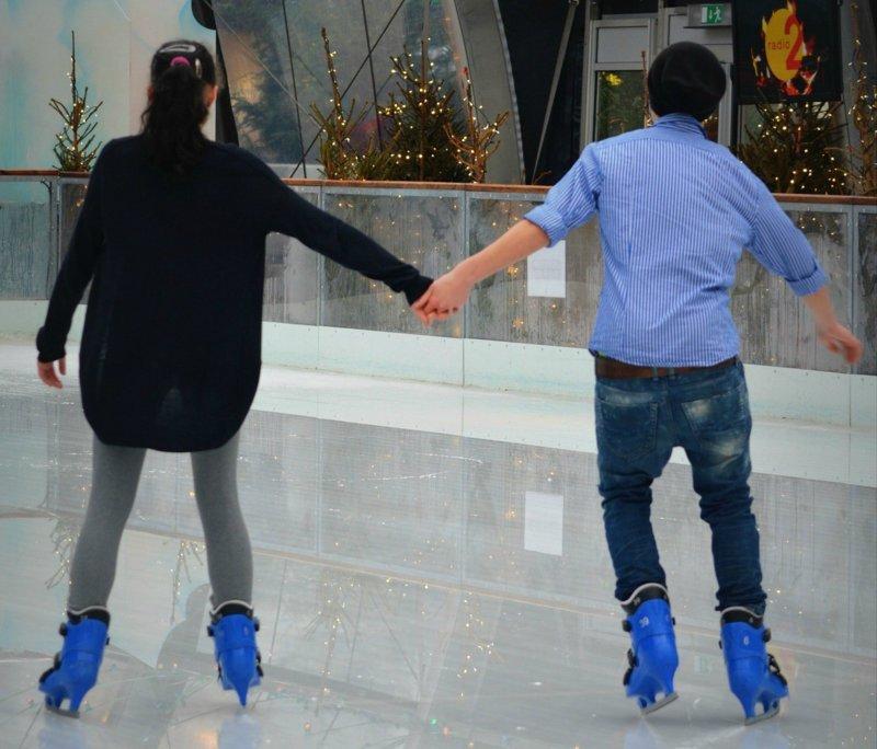 patinando sobre hielo
