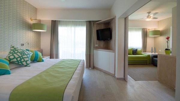 Grand Sirenis Tropical Suites