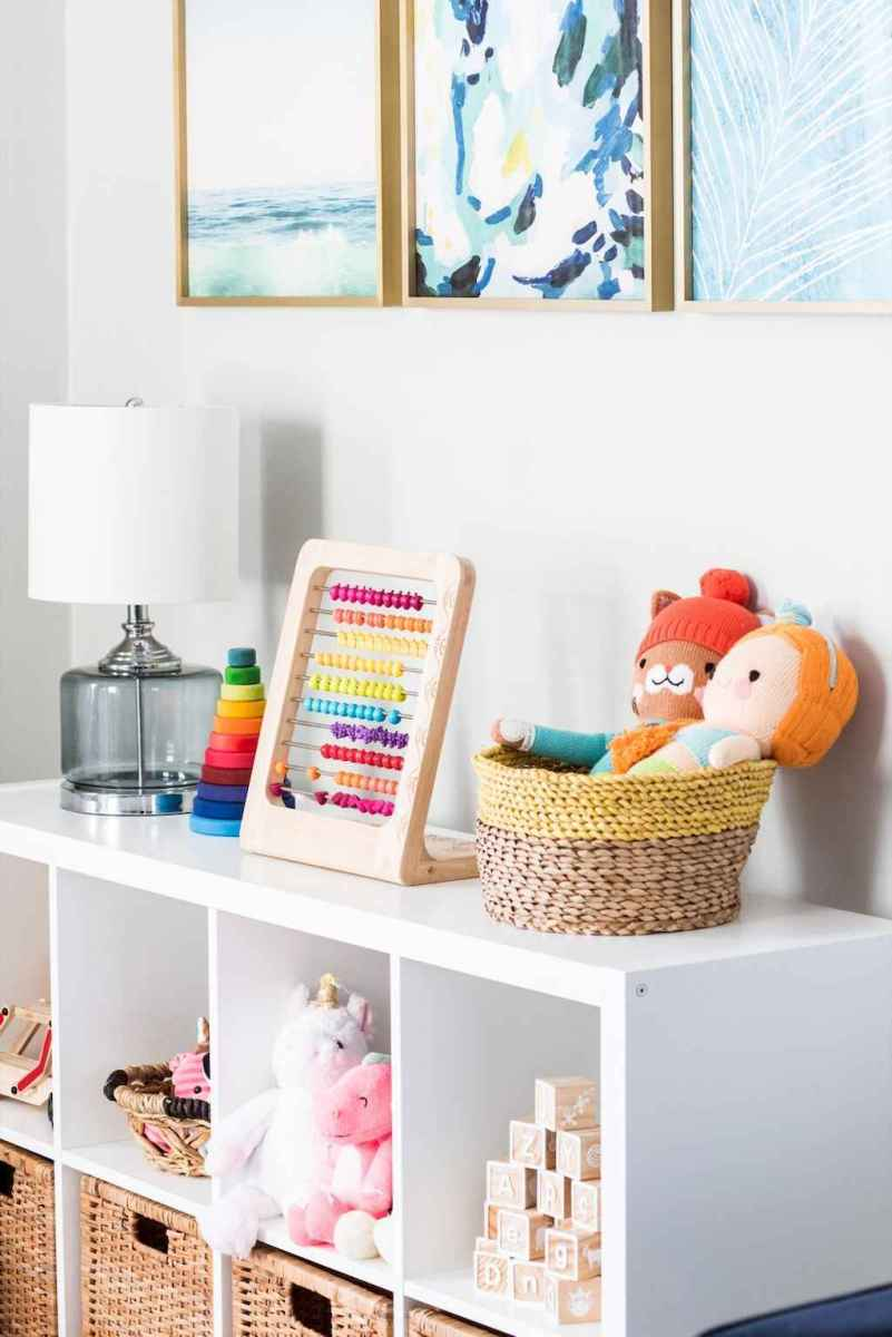 50 ideas for organizing playrooms & kid's spaces (10)