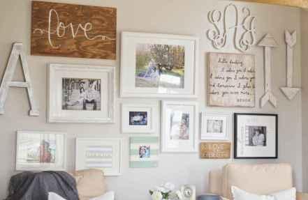 Beautiful gallery wall bedroom ideas (34)