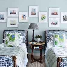 Beautiful gallery wall bedroom ideas (39)