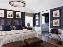 Beautiful gallery wall bedroom ideas (40)