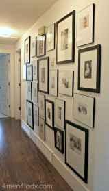 Beautiful gallery wall bedroom ideas (48)