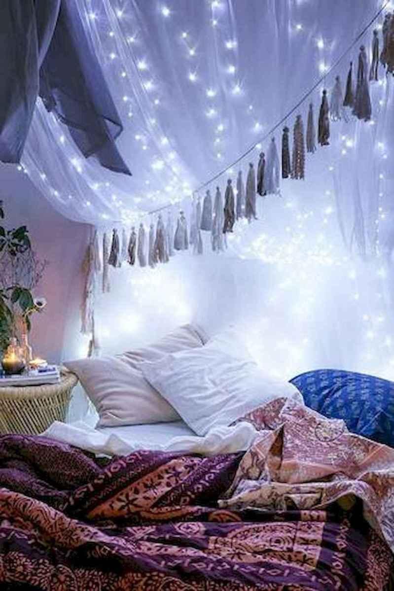 30+ diy apartment decorating christmas lights (3)