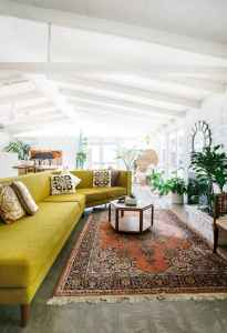40 boho chic first apartment decor ideas (40)