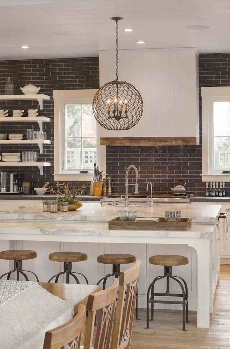 40 Stunning Farmhouse Kitchen Ideas On A Budget 14 Roomadness Com