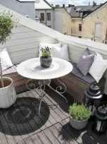 50 affordable small first apartment balcony decor ideas (15)