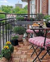 50 affordable small first apartment balcony decor ideas (16)