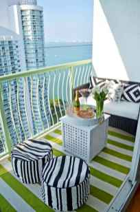 50 affordable small first apartment balcony decor ideas (19)
