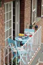 50 affordable small first apartment balcony decor ideas (30)