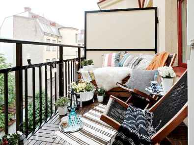 50 affordable small first apartment balcony decor ideas (45)