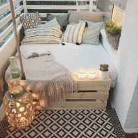 50 affordable small first apartment balcony decor ideas (48)