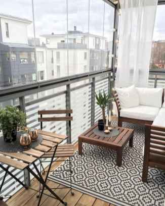 50 affordable small first apartment balcony decor ideas (51)