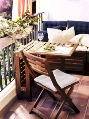 50 affordable small first apartment balcony decor ideas (52)