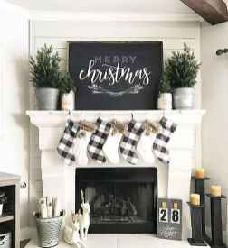 60 apartment decorating ideas for christmas (52)