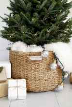 60 apartment decorating ideas for christmas (8)