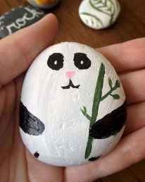 70 diy painted rock for first apartment ideas (13)