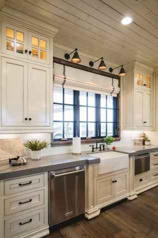 150 gorgeous farmhouse kitchen cabinets makeover ideas (38)
