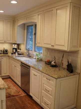 150 gorgeous farmhouse kitchen cabinets makeover ideas (66)