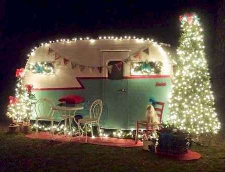 20 awesome rv campers christmas decorations ideas (14)