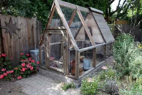 20 creative diy chicken coop ideas on a budget (1)