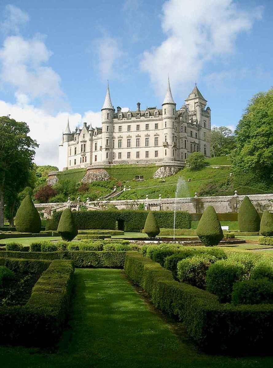40 modern castle homes exterior landscaping (10)