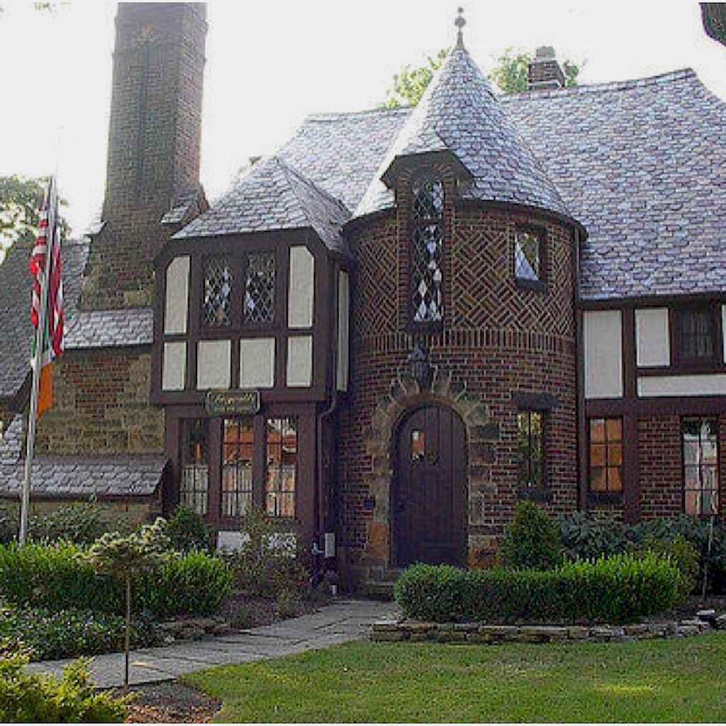 40 modern castle homes exterior landscaping (40)
