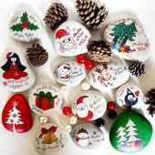 54 easy diy christmas painted rock ideas (18)
