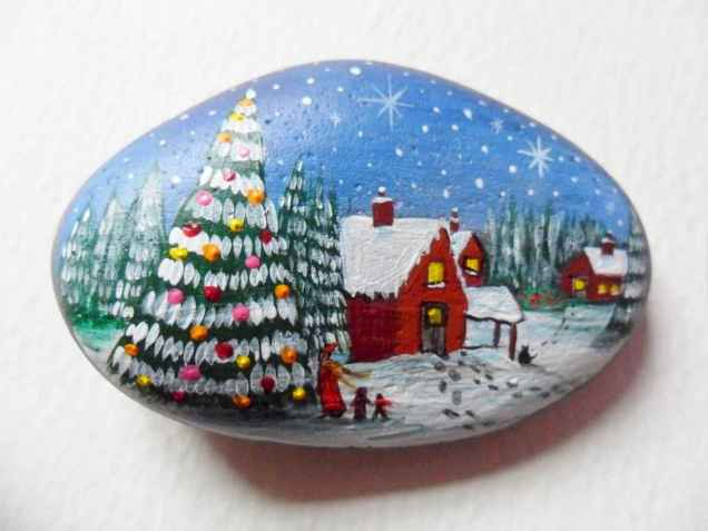 54 easy diy christmas painted rock ideas (54)