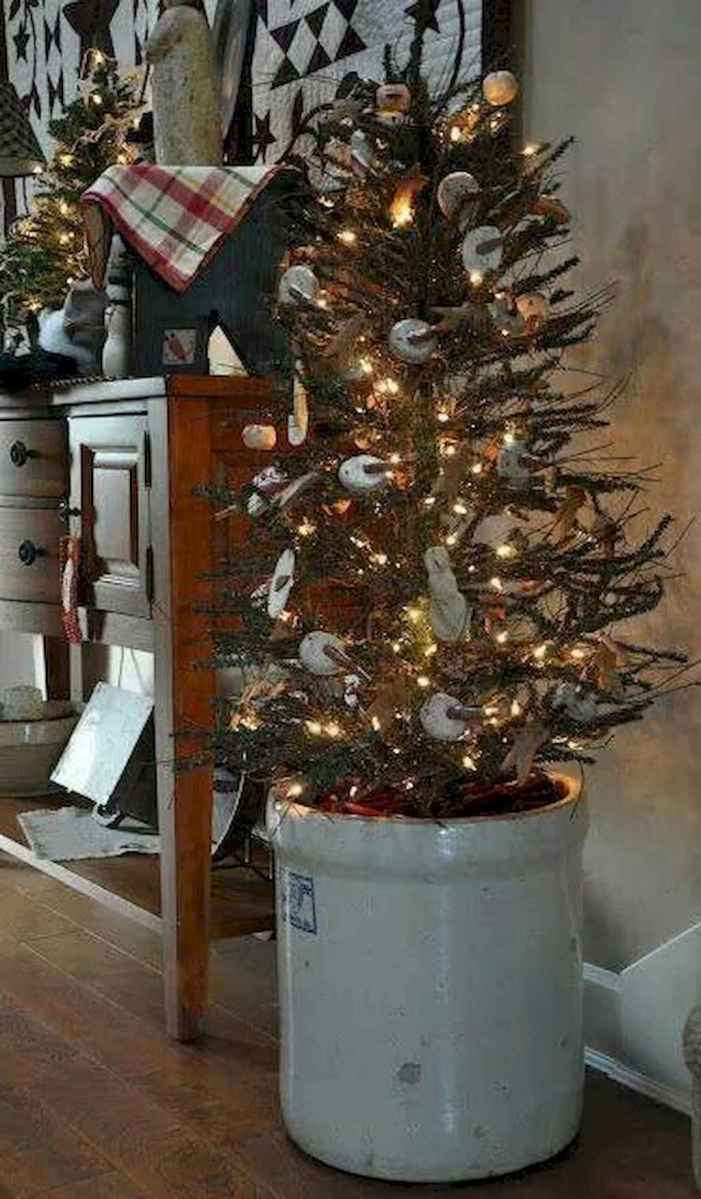 55 awesome christmas front porches decor ideas (12)
