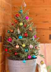 55 awesome christmas front porches decor ideas (16)
