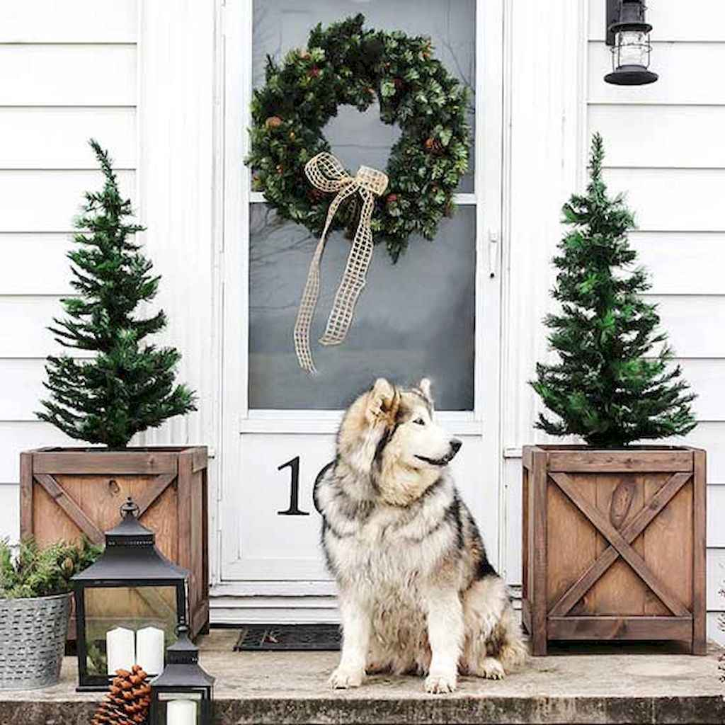 55 awesome christmas front porches decor ideas (2)