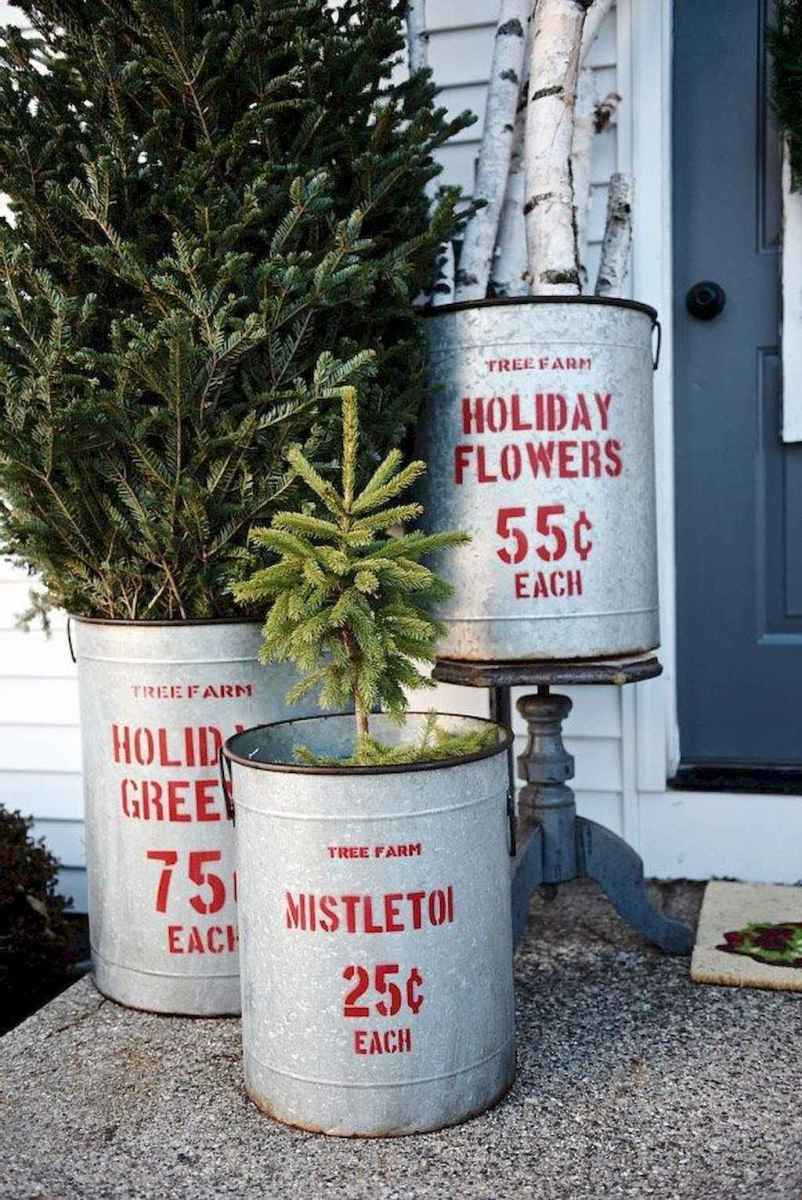 55 awesome christmas front porches decor ideas (20)