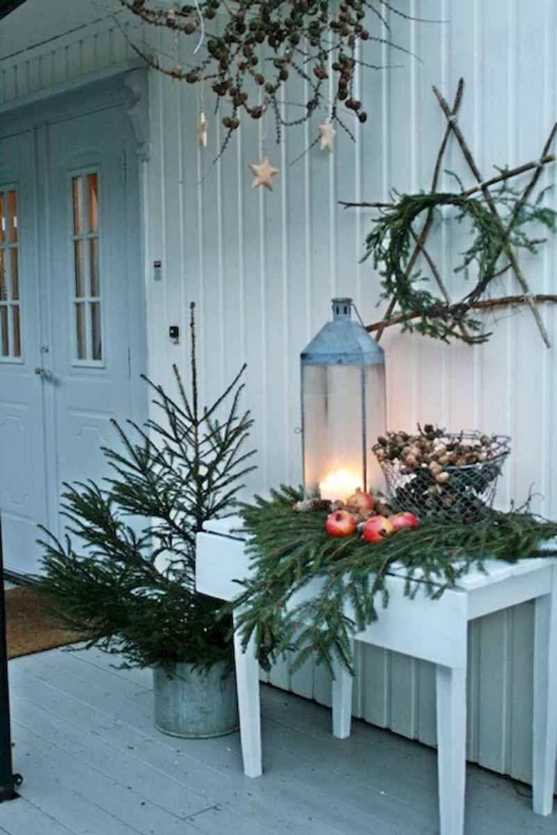 55 awesome christmas front porches decor ideas (24)